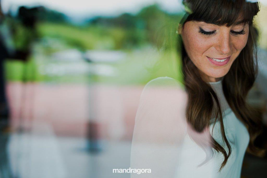 retrato de novia en restaurante laia de hondarribia