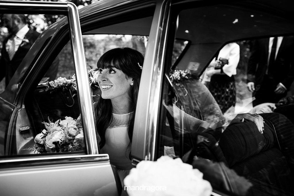 boda en restaurante laia. Coche de novia