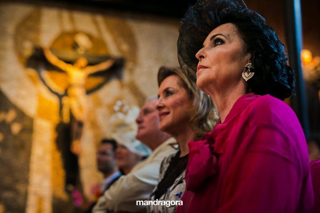 Ceremonia de boda en iglesia de San Sebastián