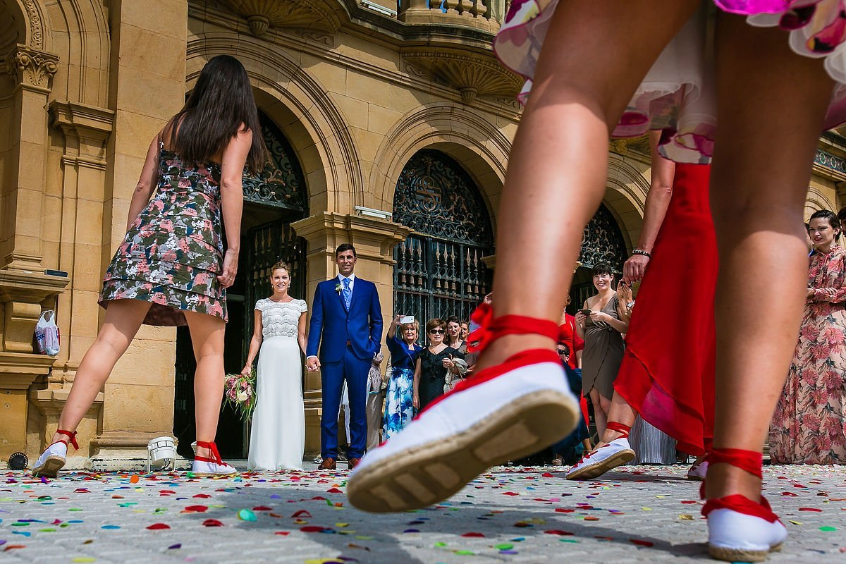 Aurresku. boda en Ayuntamiento de Donostia San Sebastián