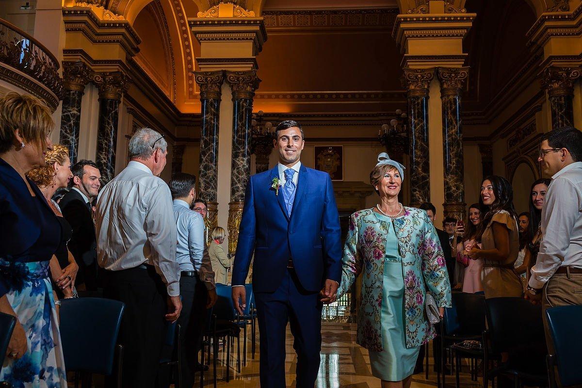 Ceremonia de boda en consistorio de donostia