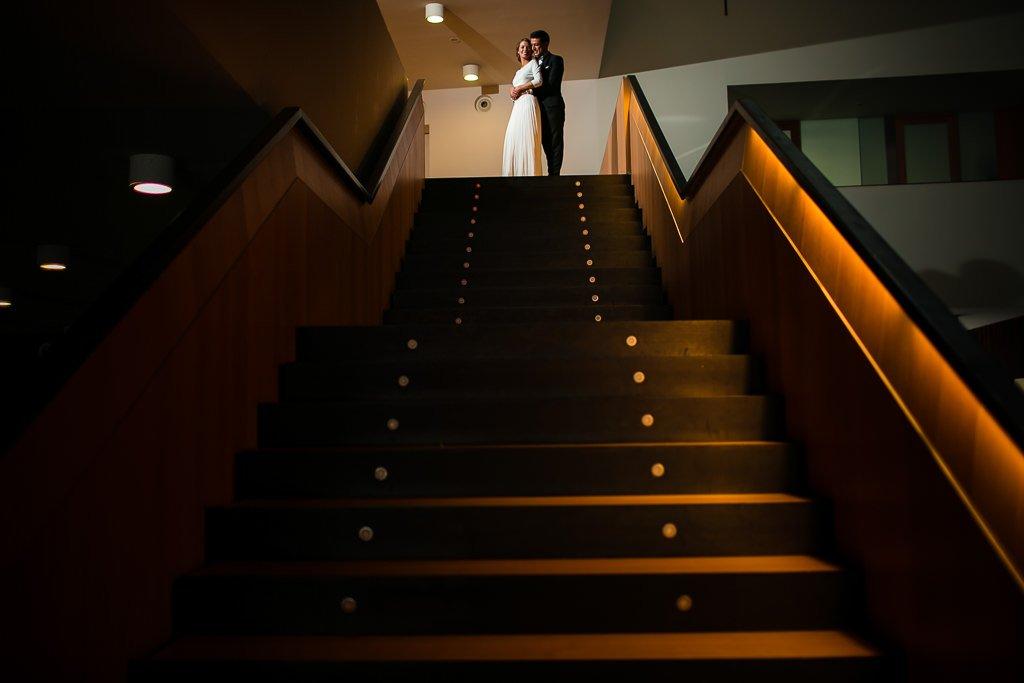Fotos-de-pareja-en-restaurante-baluarte-pamplona