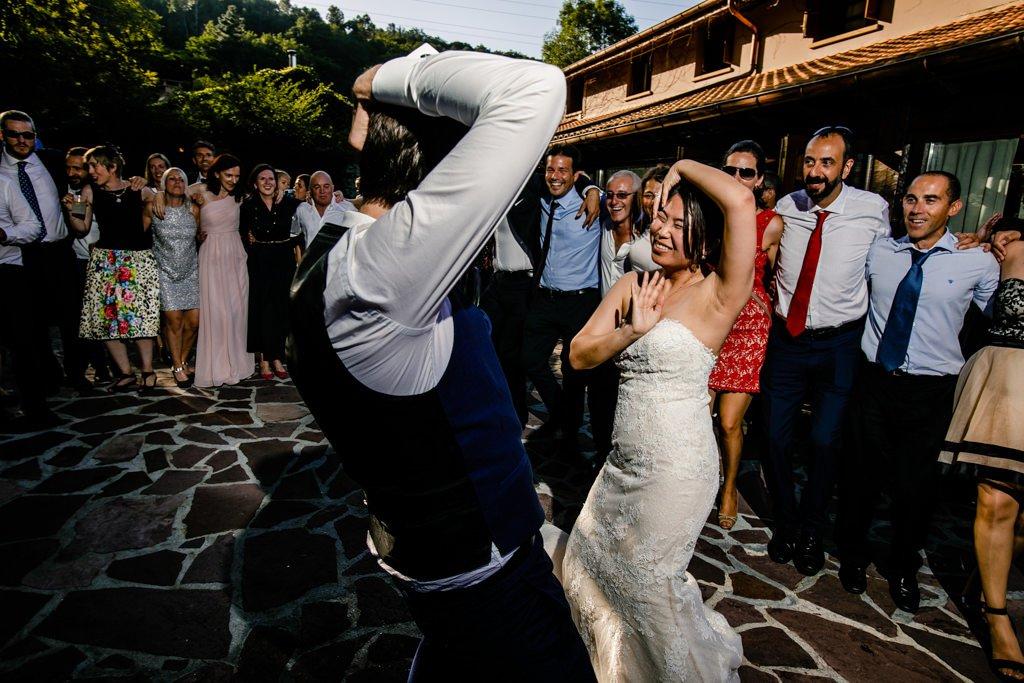 Baile de los novios. Boda en restaurante mugaritz