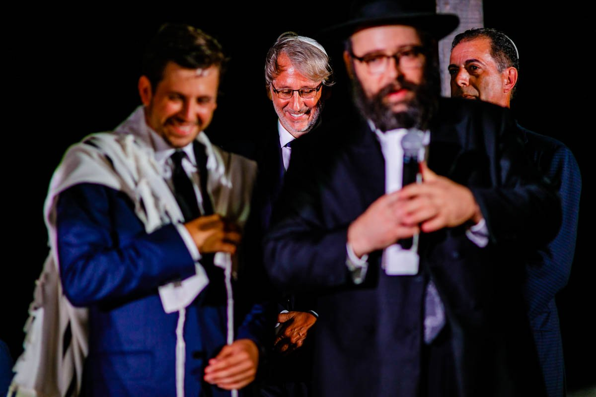rabino. boda con tradición judia