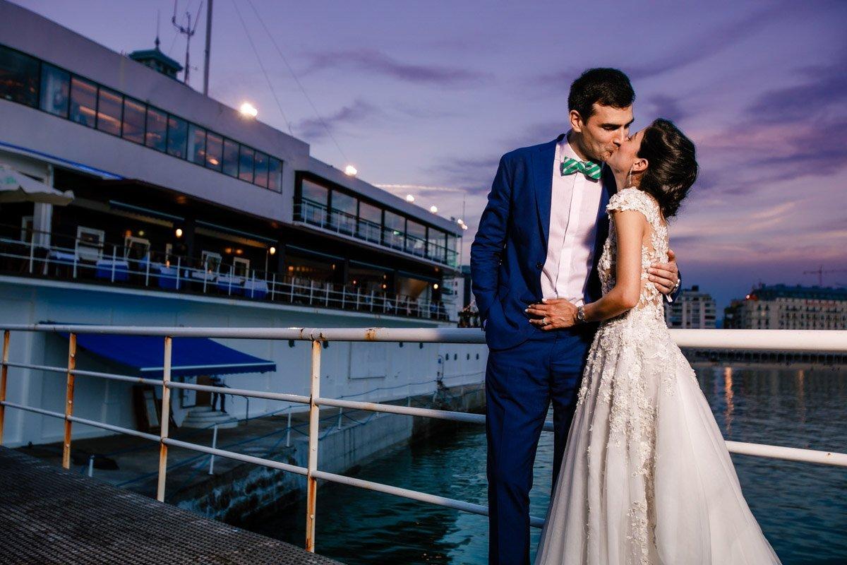 Besos de boda en Donostia