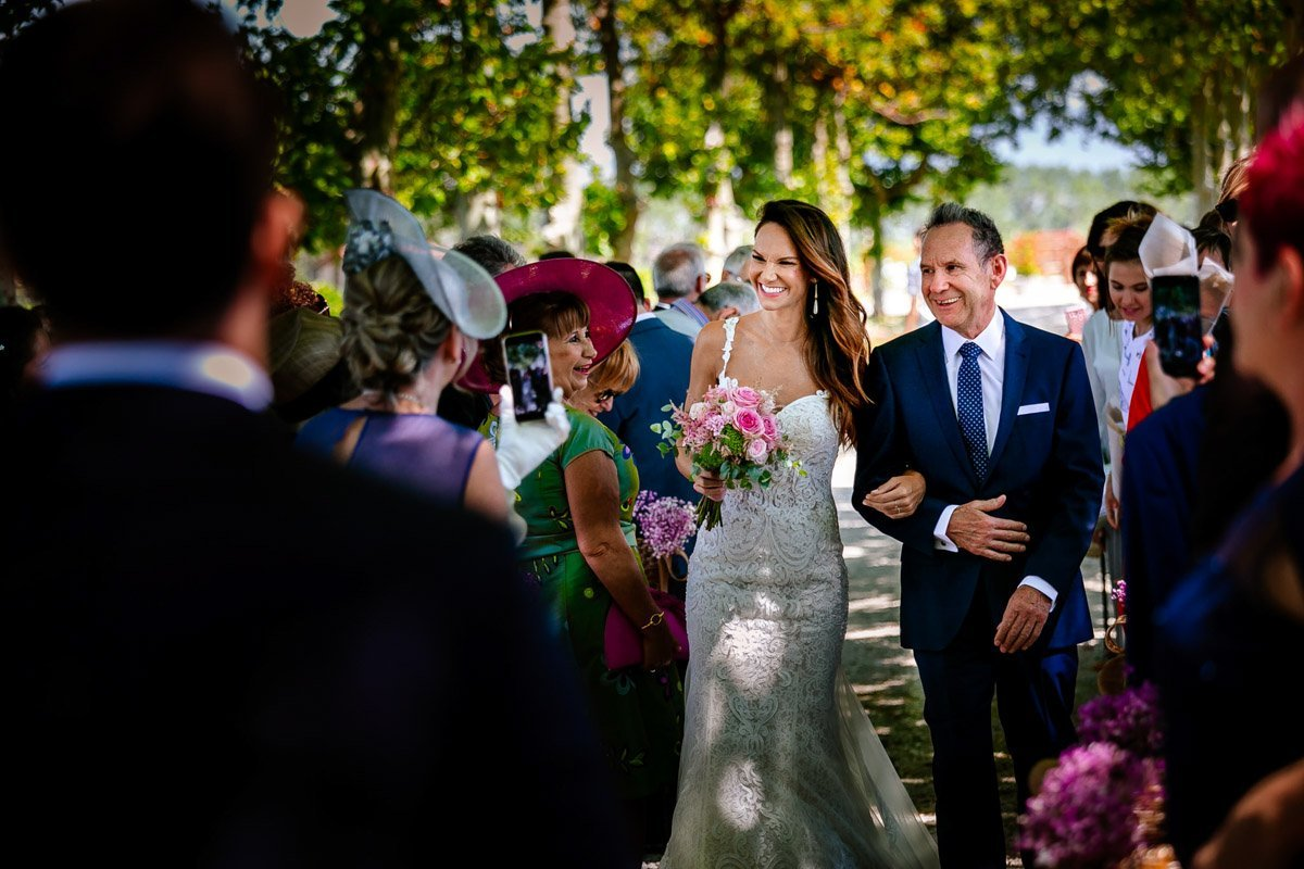 Ceremonia de boda entre viñedos. Bodegas Otazu