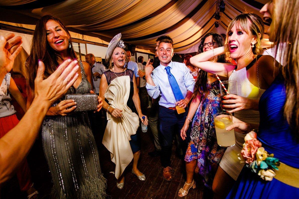 baile de boda. Bodegas Otazu de Navarra